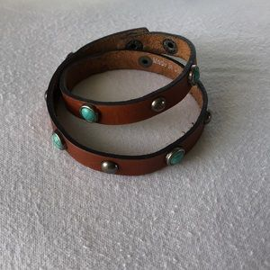 Jewelry - Leather bracelet with turquoise and silver stones!